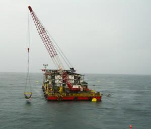 floating crane on barge